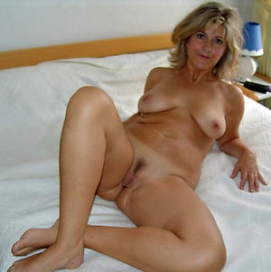 beautiful mature legs private pics
