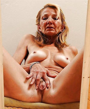 nude women masturbating private pics