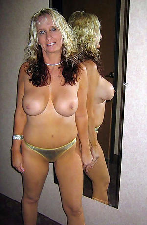 sex galleries of hot mom