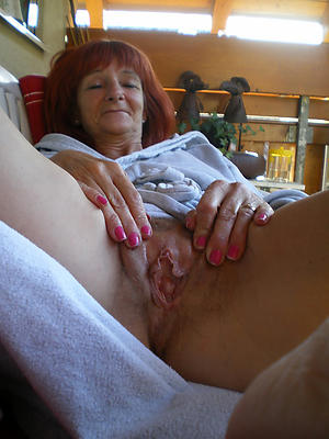 naked old mom pics