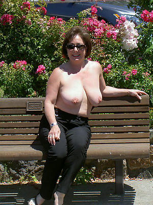 surprising hot piping hot mom