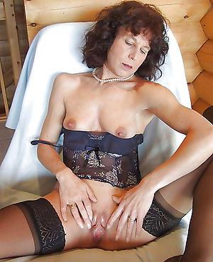 mature chunky nipples posing nude