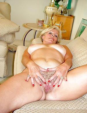 beautiful nude grandma