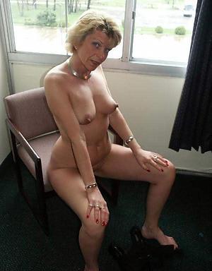 hatless pics of women love big cocks