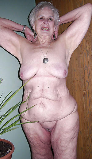 naked old sultry woman