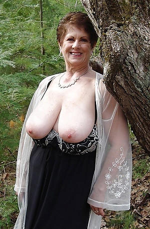 crazy of age amateur nude pics