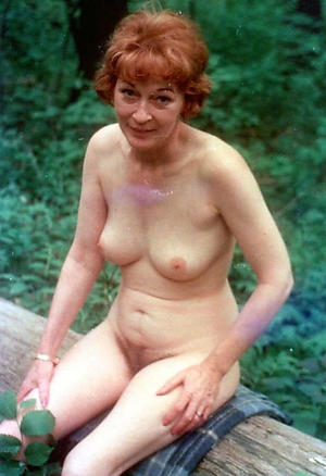 nude mature amateur mom