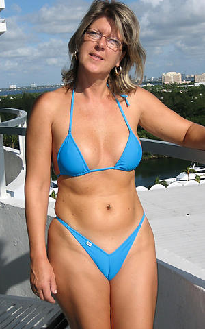 free pics be incumbent on women in bikinies