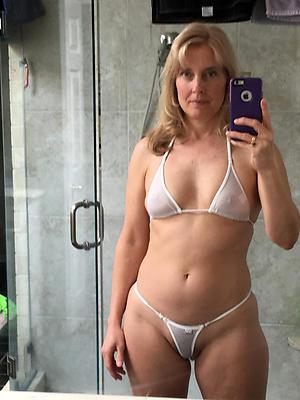 stunning women in bikinies