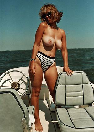 women close by bikinies amateur pics