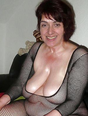 nude pics of mature brunette women