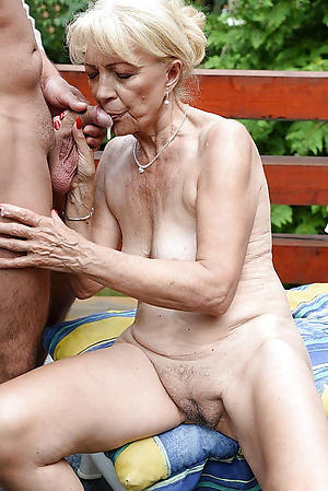 hotties mature woman fuck
