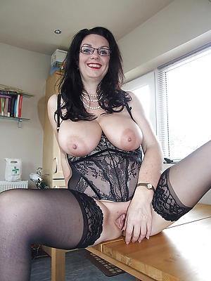 xxx pictures of women with glasses