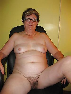 women with glasses amateur pics