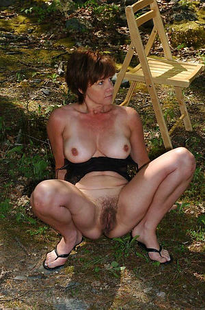 busty titillating outdoor women