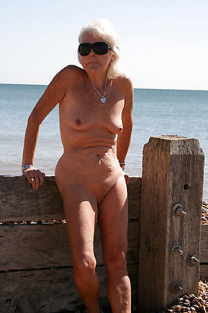 nude beach grannies porn pics