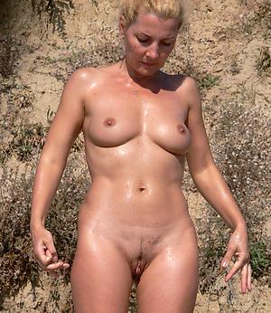 sexy column at beach amateur pics
