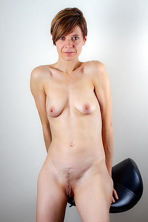 nude tall undernourished women