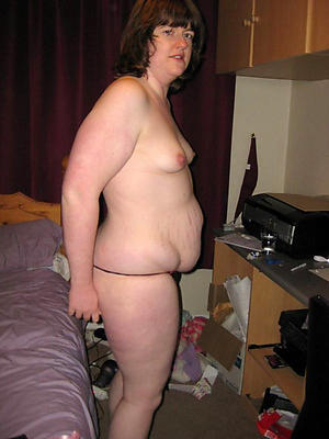 old women with closely-knit tits posing nude