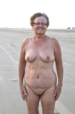 nude pics of old lady solo