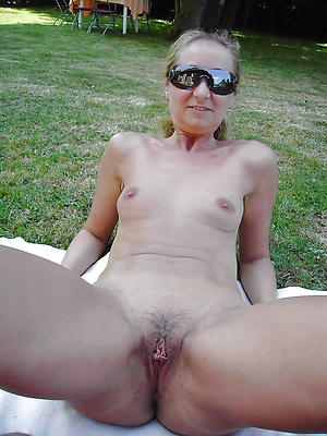 nude hot solo women