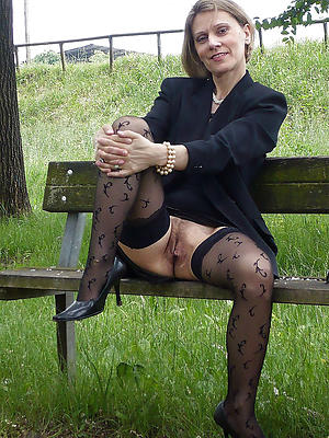 sex-mad mature granny in stockings
