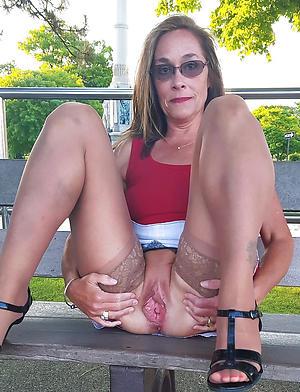 xxx older woman upskirt