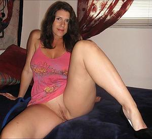 amateur mature lady upskirt