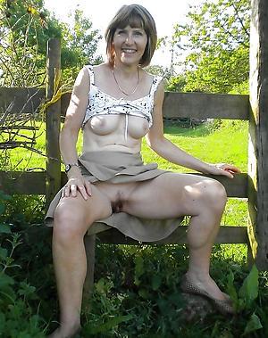 porn pics of mature lass upskirt