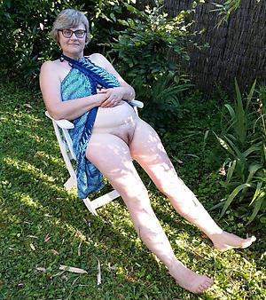 russian wife cherish posing nude