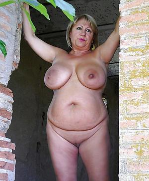 nude pics for granny mom