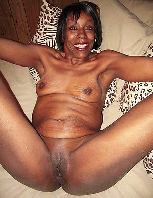 porn pics of ebony mature pussy