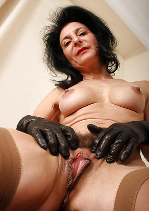 superannuated women vaginas copulation gallery