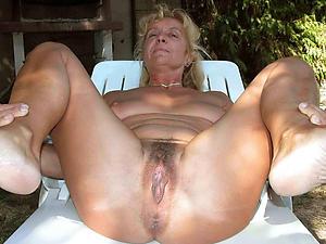nude pics be incumbent on shaved vulva