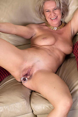 xxx pictures of woman vulva