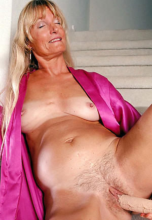 mature hot ladies at arm's length pics