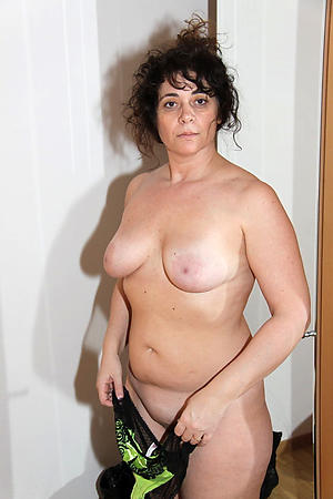 sex galleries of adult amateur mom