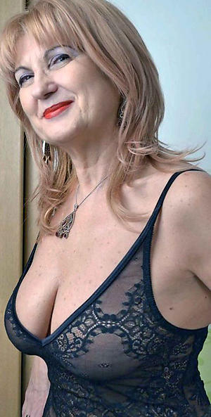 sex galleries of elegant mature nudes