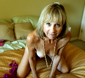 hotties elegant mature pics