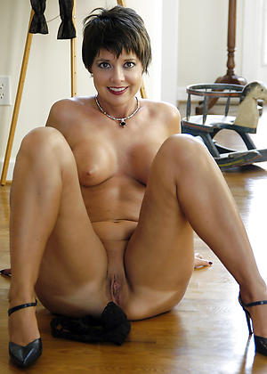 beautiful mature women love porn