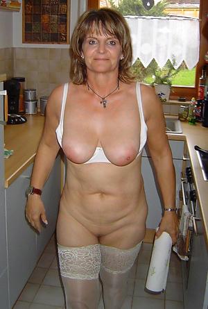 naked superb mature women