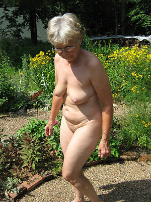defoliated old mature wife pussy
