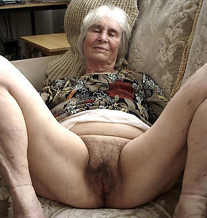 nude hairy granny pussy