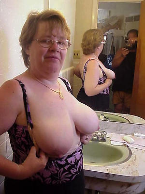 nude grannies with glasses free pics
