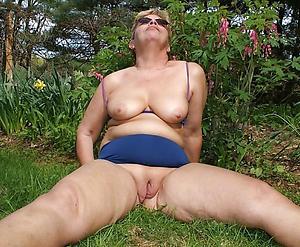 mature outdoor nudes sex pics