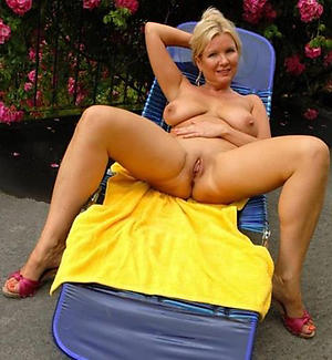 alfresco mature nude pictures