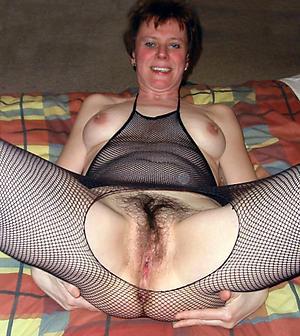 age-old lady vulva posing nude