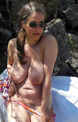 sexy granny boobs love posing nude