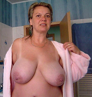 saggy granny boobs amateur pics