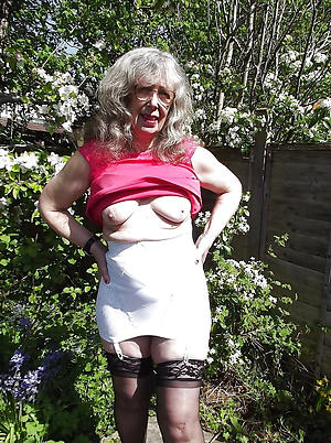 porn pics of grannies in stockings